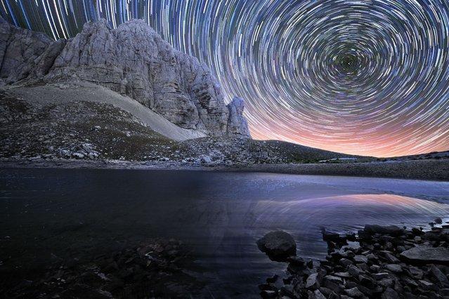 Rainbow of stars