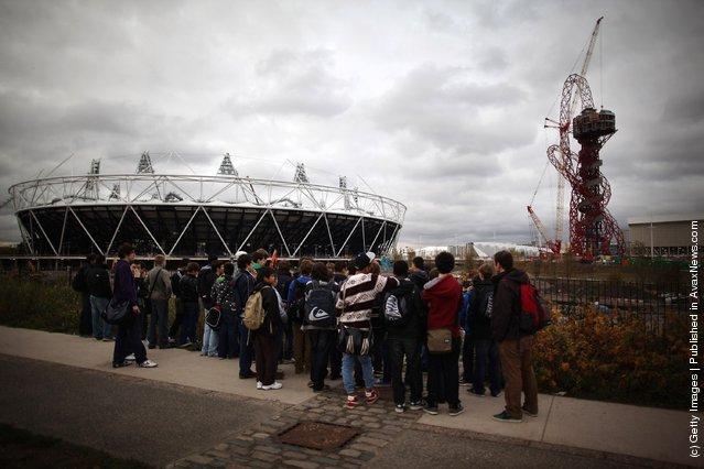 London 2012 ArcelorMittal Orbit Sculpture by Anish Kapoor