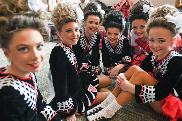 Competitors wait to take part in day three of the World Irish Dancing Championships on March 26, 2018 in Glasgow, Scotland. (Photo by Jeff J. Mitchell/Getty Images)