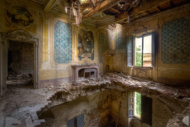 This grand Italian house would require careful renovation. (Photo by Roman Robroek/South West News Service)