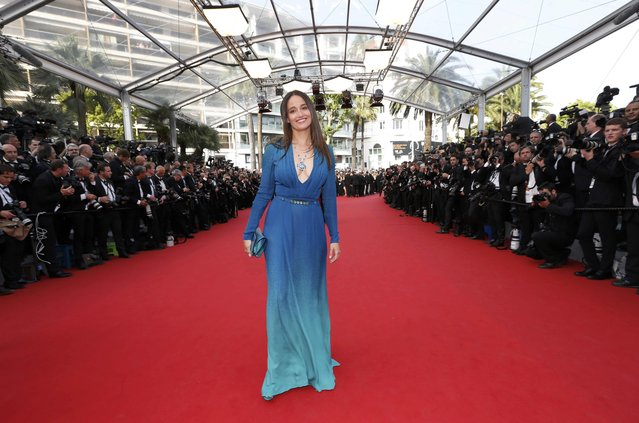 """Actress Marie Gillain poses on the red carpet as she arrives for the opening ceremony and the screening of the film """"La tete haute"""" out of competition during the 68th Cannes Film Festival in Cannes, southern France, May 13, 2015. (Photo by Regis Duvignau/Reuters)"""