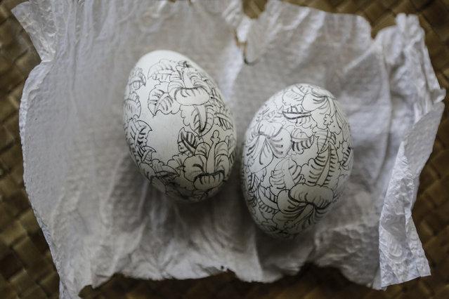 Already sketched eggshell at Wayan Sadra's workshop on April 14, 2014 in Sukawati, Gianyar, Bali, Indonesia. (Photo by Putu Sayoga/Getty Images)