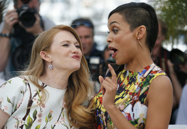 "Cast members Mireille Enos (L) and Rosario Dawson pose during a photocall for the film ""Captives"" (The Captive) in competition at the 67th Cannes Film Festival in Cannes May 16, 2014. (Photo by Regis Duvignau/Reuters)"