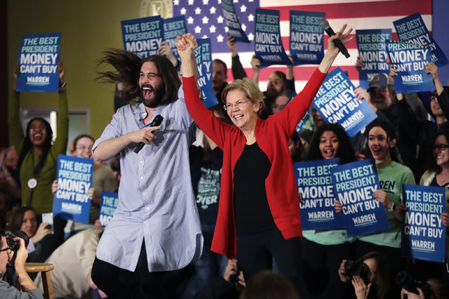 Jonathan Van Ness, of the Netflix series Queer Eye, introduces Democratic presidential candidate, Sen. Elizabeth Warren (D-MA) during a campaign rally at The NewBo City Market on January 26, 2020 in Cedar Rapids, Iowa. The 2020 Iowa Democratic caucuses will take place on February 3, making it the first nominating contest for the Democratic Party in choosing their presidential candidate to face Donald Trump in the 2020 general election. (Photo by Scott Olson/Getty Images)