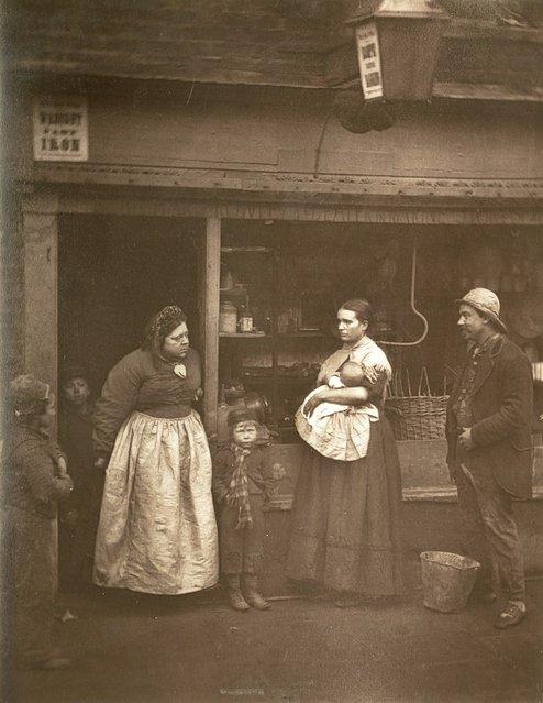 Lambeth. (Photo by John Thomson/LSE Digital Library)