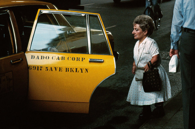 The rough vibrancy of 1980s New York – a city he visited repeatedly – pushed Horvat to experiment extensively with colour. Here: Midtown, NYC, 1983. (Photo by Frank Horvat/The Guardian)
