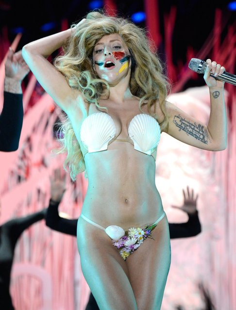 Lady Gaga performs during the 2013 MTV Video Music Awards at the Barclays Center on August 25, 2013 in the Brooklyn borough of New York City. (Photo by Kevin Mazur/WireImage for MTV)