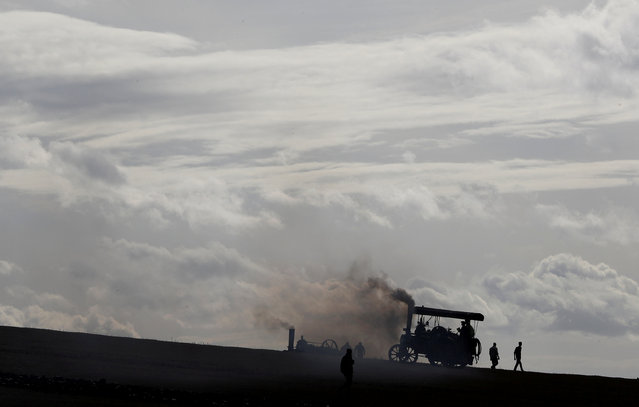 A steam ploughing engine climbs a field during the British National Ploughing Championships in Austrey, Britain October 13, 2018. (Photo by Darren Staples/Reuters)