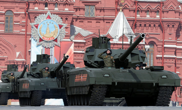Russian T-14 tanks with the Armata Universal Combat Platforms drive along Red Square during a rehearsal for the Victory Day parade, marking the 71st anniversary of the victory over Nazi Germany in World War Two, in central Moscow, Russia, May 7, 2016. (Photo by Sergei Karpukhin/Reuters)