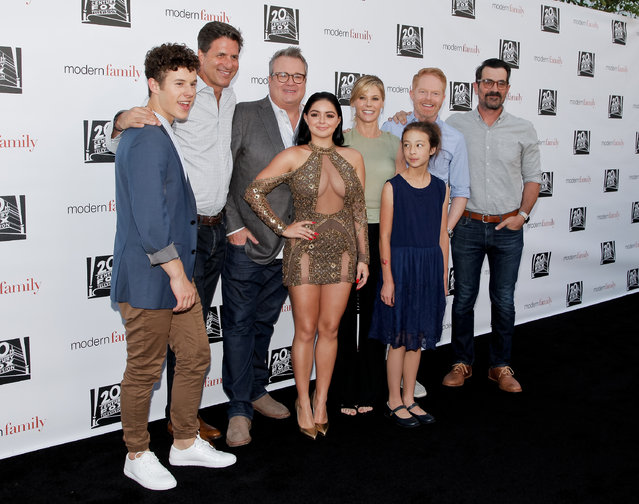 """(L-R) Nolan Gould, Steven Levitan, Eric Stonestreet, Ariel Winter, Julie Bowen, Aubrey Anderson-Emmons, Jesse Tyler Ferguson and Ty Burrell attend ABC's """"Modern Family"""" ATAS event at Saban Media Center on May 3, 2017 in North Hollywood, California. (Photo by Tibrina Hobson/Getty Images)"""