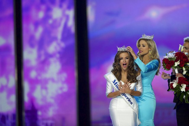Miss Georgia Betty Cantrell (L) reacts after being crowned Miss America 2016 by current Miss America Kira Kazantsev at Boardwalk Hall, in Atlantic City, New Jersey, September 13, 2015. (Photo by Mark Makela/Reuters)