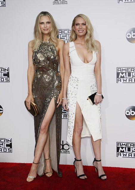 TV personalities Sara Foster (L) and Erin Foster arrive at the 2016 American Music Awards in Los Angeles, California, U.S., November 20, 2016. (Photo by Danny Moloshok/Reuters)