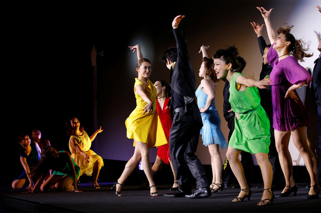 """Dancers perform at a premiere event for the movie """"La La Land"""" in Tokyo, Japan, January 26, 2017. (Photo by Kim Kyung-Hoon/Reuters)"""