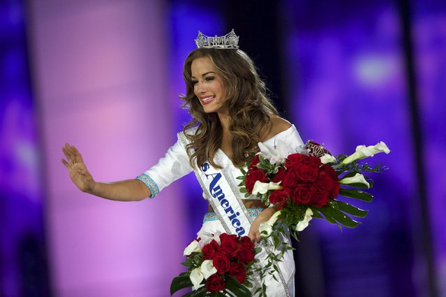 Miss Georgia Betty Cantrell reacts after being crowned Miss America 2016 at Boardwalk Hall in Atlantic City, New Jersey, September 13, 2015. (Photo by Mark Makela/Reuters)