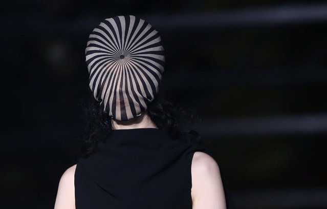 A model presents a creation at the Gareth Pugh catwalk show during London Fashion Week Spring/Summer 2017 in London, Britain September 17, 2016. (Photo by Neil Hall/Reuters)