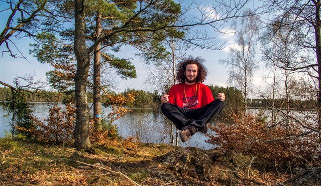 """""""Levitation"""". (Photo by János-Csongor Kerekes)"""