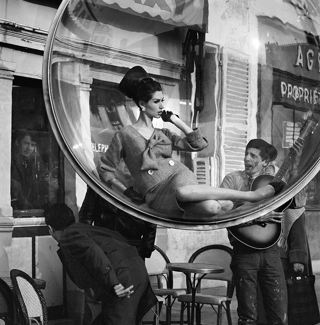 """Paris 1963"" – Harper's Bazaar ""Bubble"" Spring Collection. (Photo by Melvin Sokolsky)"