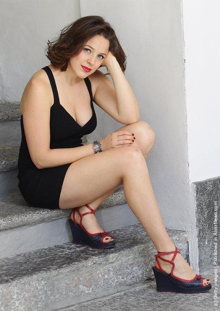 Miniskirts And Beautiful Feet