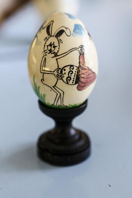 Painted egg for Easter displayed at Wayan Sadra's workshop on April 14, 2014 in Sukawati, Gianyar, Bali, Indonesia. (Photo by Putu Sayoga/Getty Images)
