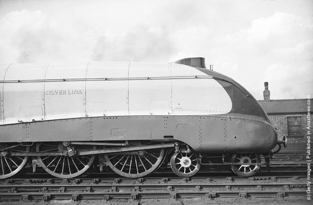 14th September 1935:  'Silver Link', the new LNER streamlined express train