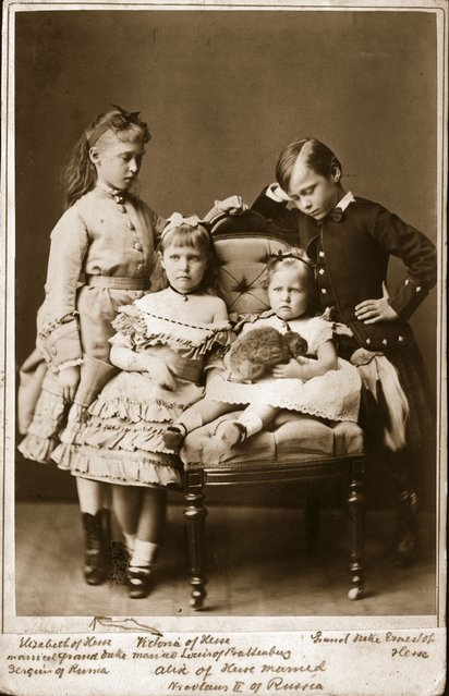 Children of the Grand Duke of Hesse Darmstadt: Ernst Ludwig (1868–1937), later Grand Duke; Victoria of Hesse (1863–1950), later wife of Louis Battenberg (Mountbatten) and 1st Marquess of Milford Haven; Elizabeth of Hesse (1864–1918), who married Sergei, Grand Duke of Russia; and Alexandra (1872–1918), who married Tsar Nicholas II of Russia, circa 1875.