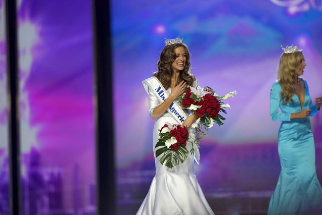 Miss Georgia Betty Cantrell (L) reacts after being crowned Miss America 2016 by current Miss America Kira Kazantsev at Boardwalk Hall in Atlantic City, New Jersey, September 13, 2015. (Photo by Mark Makela/Reuters)