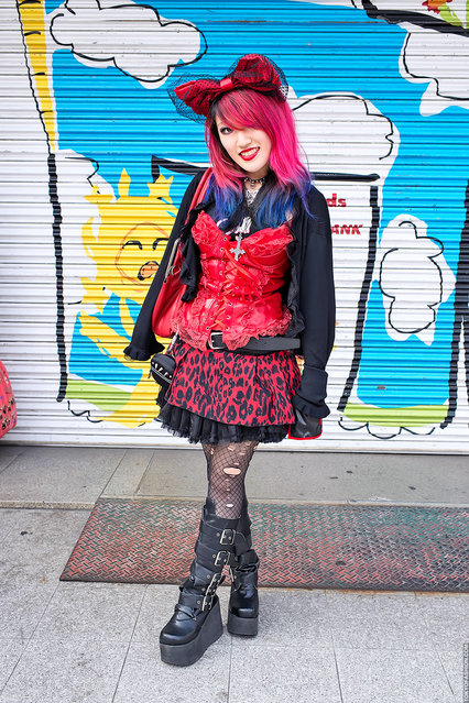 Red & Black Fashion in Harajuku. This is a friendly Japanese high school student named Lisa. I often run into her in Harajuku. (Tokyo Fashion)