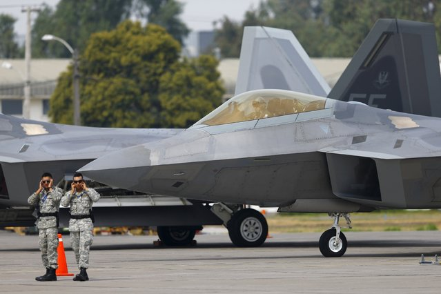 A U.S. Air Force F-22 Raptor fighter jet prepares to take off ahead of the International Air and Space Fair (FIDAE) at Santiago international airport, March 28, 2016. (Photo by Ivan Alvarado/Reuters)