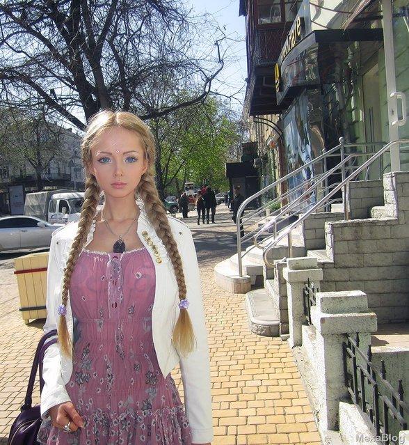 Human Barbie Doll Valeria Lukyanova aka Naamah (Нахема) From The Ukraine