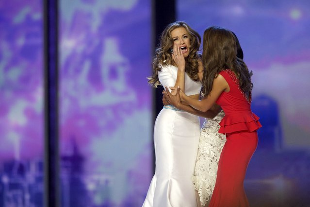 Miss Georgia Betty Cantrell (L) reacts after winning Miss America 2016 at Boardwalk Hall in Atlantic City, New Jersey, September 13, 2015. (Photo by Mark Makela/Reuters)