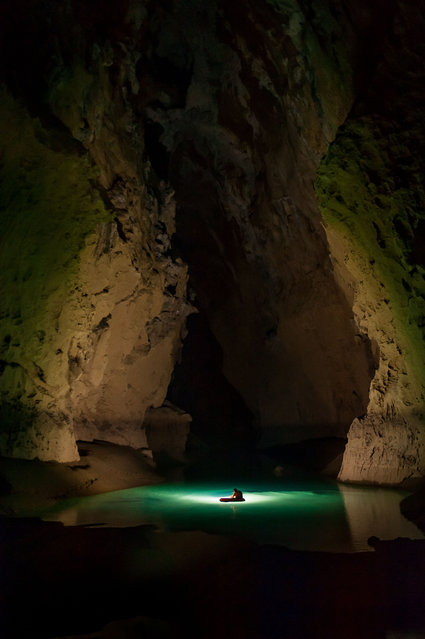 Lu He Dong cave near Fengshan, Gangxi Province, China. (Photo by Francois-Xavier De Ruydts/Caters News)