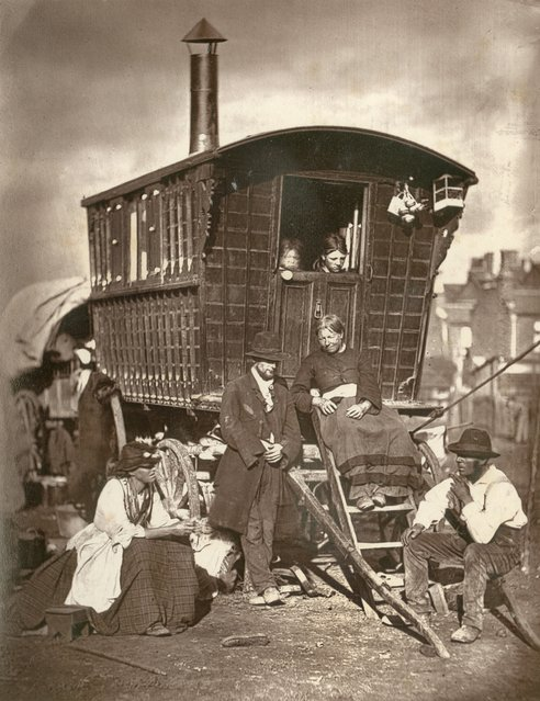 Nomades. (Photo by John Thomson/LSE Digital Library)