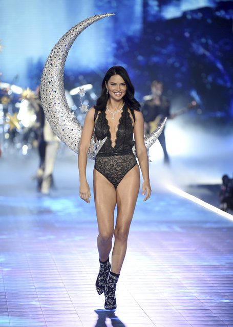 Adriana Lima walks the runway during the 2018 Victoria's Secret Fashion Show at Pier 94 on Thursday, November 8, 2018, in New York. (Photo by Evan Agostini/Invision/AP Photo)