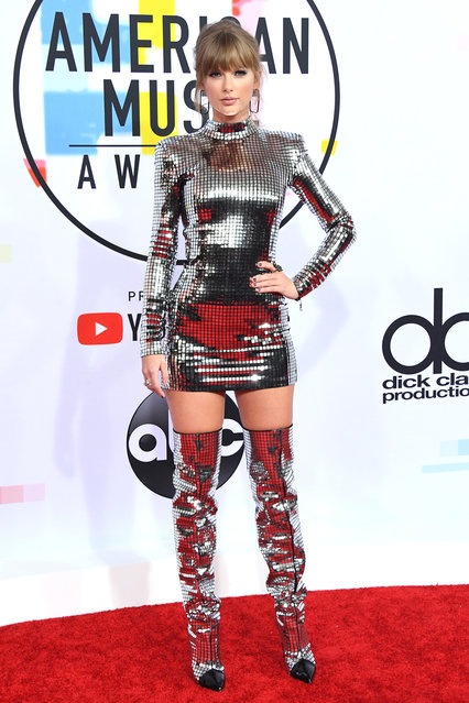 Taylor Swift attends the 2018 American Music Awards at Microsoft Theater on October 9, 2018 in Los Angeles, California. (Photo by Jon Kopaloff/FilmMagic)
