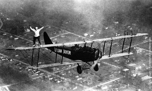Flying acrobat Lillian Boyer