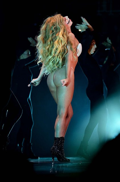 Lady Gaga performs during the 2013 MTV Video Music Awards. (Photo by Larry Busacca/Getty Images for MTV)