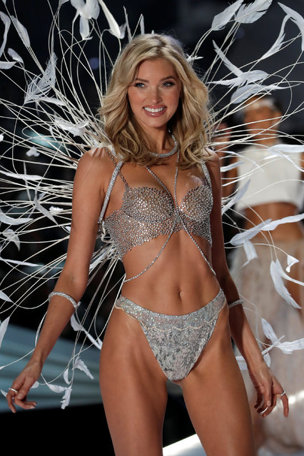 Model Elsa Hosk presents a creation during the 2018 Victoria's Secret Fashion Show in New York City, New York, U.S., November 8, 2018. (Photo by Mike Segar/Reuters)