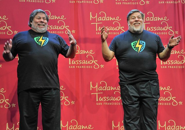 Apple Co-Founder Steve Wozniak poses next to his wax figure at the Madame Tussauds unveiling at the 1st Silicon Valley Comic Con at San Jose Convention Center on March 19, 2016 in San Jose, California. (Photo by Steve Jennings/Getty Images for Madame Tussauds San Francisco)