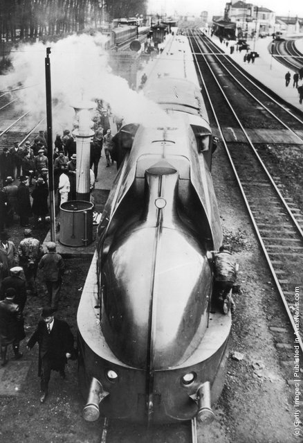 April 1935:  France's latest streamlined train seen from above to emphasise the striking design