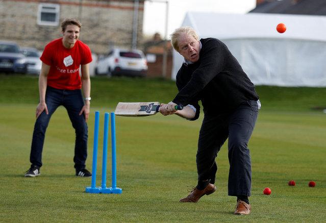 Former London Mayor Boris Johnson plays cricket during a Vote Leave event in Chester le Street, northern Britain May 30, 2016. (Photo by Phil Noble/Reuters)