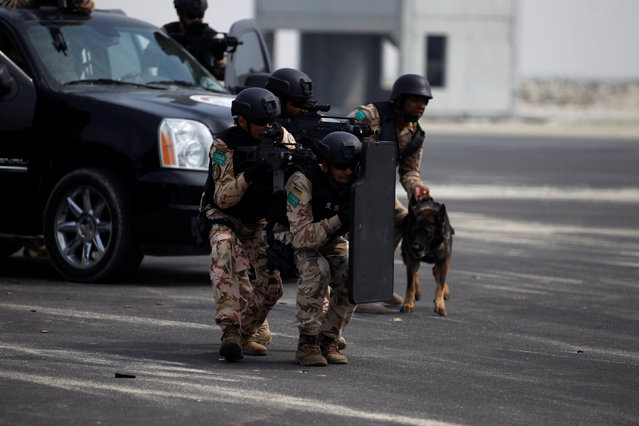 "A Saudi Special Forces unit is seen during the month-long GCC joint security exercise ""Arabian Gulf Security 1"" in Manama, Bahrain November 1, 2016. (Photo by Hamad I. Mohammed/Reuters)"