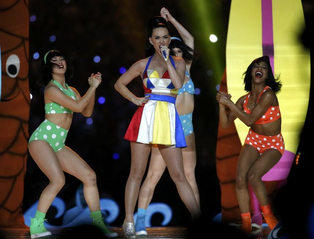 Katy Perry performs during the halftime show at the NFL Super Bowl XLIX football game between the Seattle Seahawks and the New England Patriots in Glendale, Arizona, February 1, 2015. (Photo by Lucy Nicholson/Reuters)