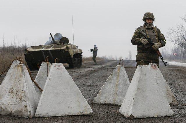 Ukrainian servicemen keep watch at no-man's land outside Debaltseve, Donetsk region February 6, 2015. (Photo by Maxim Shemetov/Reuters)