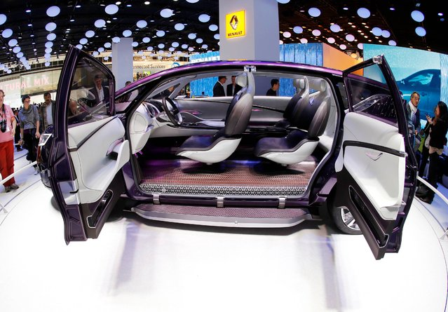 """The Renault """"Initiale Paris"""" concept car is presented during the second press day of the 65th Frankfurt Auto Show in Frankfurt, Germany, Wednesday, September 11, 2013. (Photo by Michael Probst/AP Photo)"""