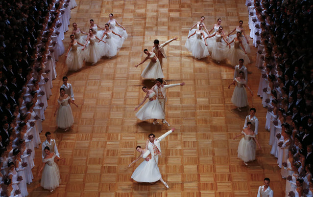 AUSTRIA: Members of the Wiener Staatsballett (state ballett) perform during the opening ceremony of the Opera Ball in Vienna, February 4, 2016. (Photo by Leonhard Foeger/Reuters)