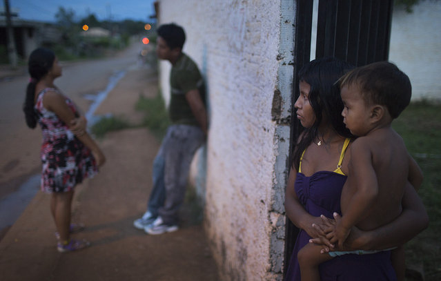 Xikrin men and women spend the majority of their time in Altamira close to the indigenous living areas – especially at night. Norte Energia workers, Altamira residents, and the indigenous visitors often don't get along well together. (Taylor Weidman)