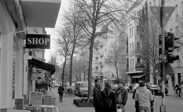 People walk along Gruenberger Street in Berlin April 19, 2015. (Photo by Fabrizio Bensch/Reuters)