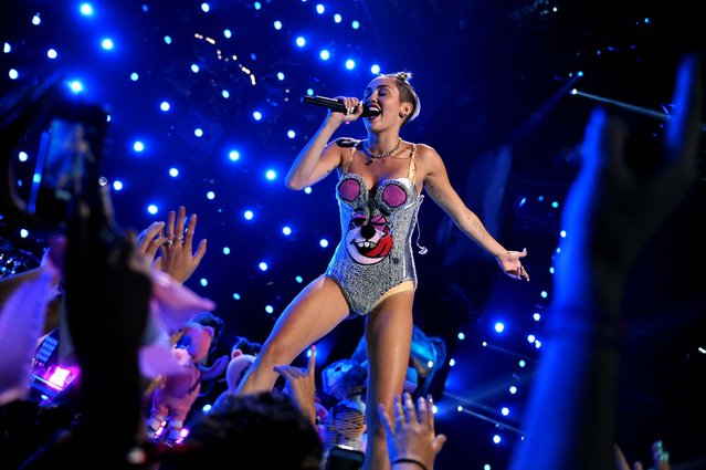 Miley Cyrus performs at the MTV Video Music Awards. (Photo by John Shearer/MTV)