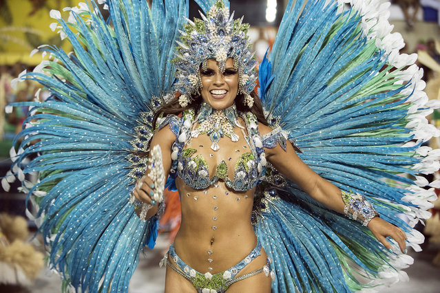 A performer dances during Mangueira performance at the Rio Carnival in Sambodromo on February 8, 2016 in Rio de Janeiro, Brazil. (Photo by Raphael Dias/Getty Images)