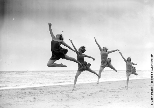 1929: Margaret Morris dancers exercising on the sands at Saint-Idesbald